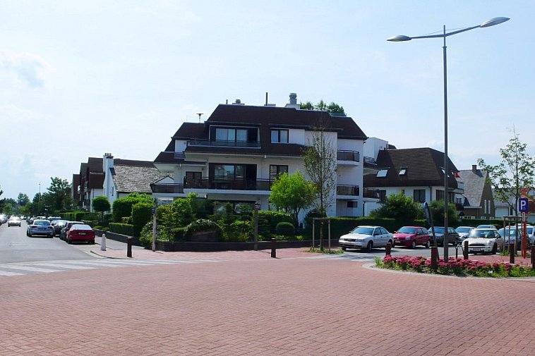 Autostaanplaats te koop, gelegen in het centrum van Knokke