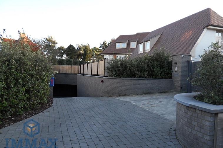 Garagebox te huur, Elizabetlaan - Knokke-Het Zoute.