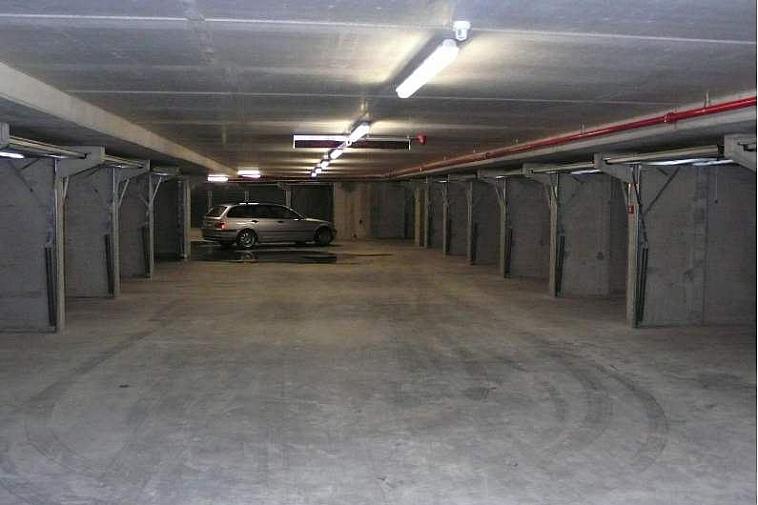 Makkelijk toegankelijke garagebox in het centrum van Knokke