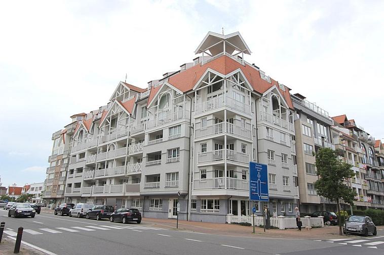 Centraal gelegen autostaanplaats te Knokke