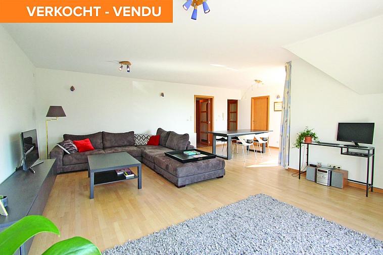 Lichtrijke, recente duplex met aangename terrassen centraal gelegen te Knokke