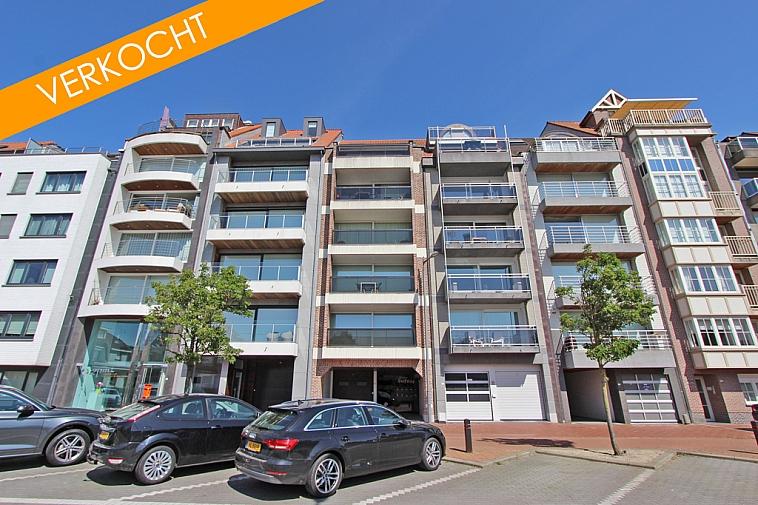 Zeer mooi lumineus appartement ideaal gelegen tussen het Rubensplein en het Zegemeer te Knokke op de zonnekant van de Koningslaan