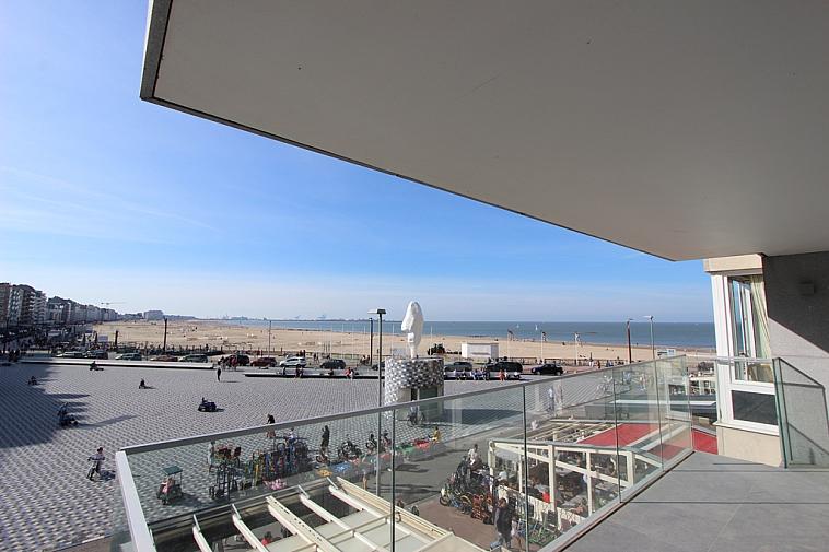 Gerenoveerd appartement op de Zeedijk te Knokke