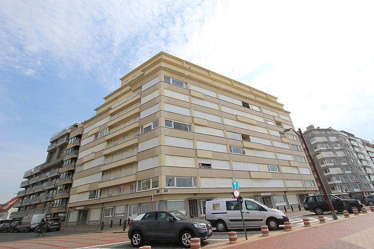 Gerenoveerd appartement met fenomenaal zeezicht te Knokke