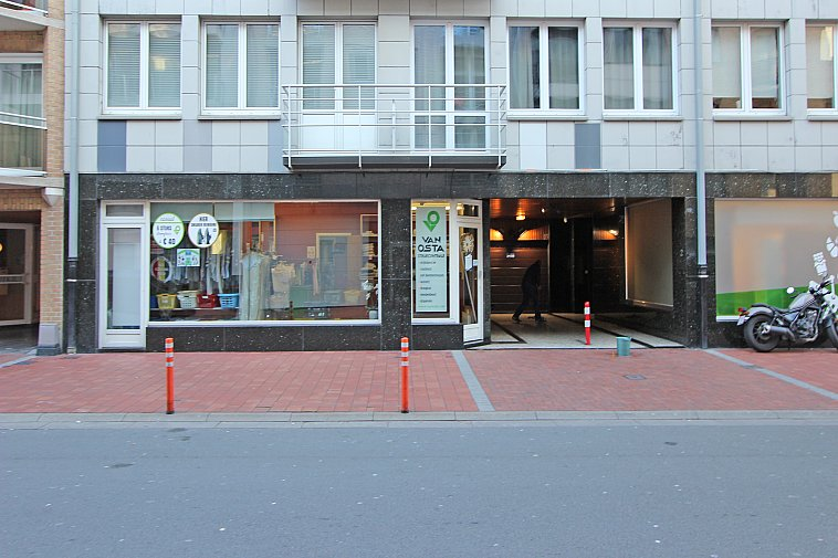Rez commercial à une situation stratégique - centre Knokke