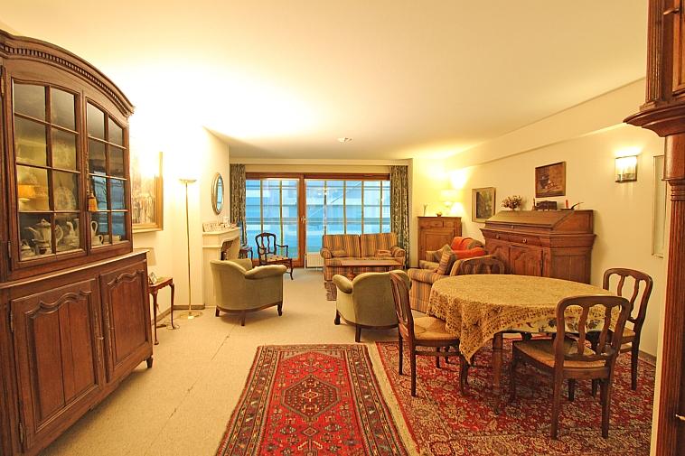 Te renoveren appartement op 2 stappen van strand te Knokke