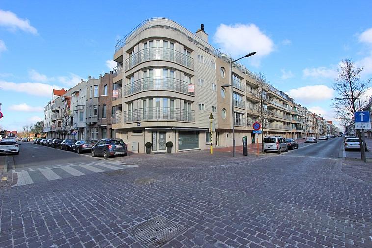 Ruime garagebox gelegen nabij het centrum van Knokke.
