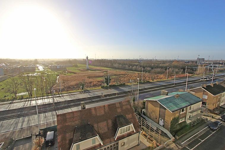 Zonnige studio met zicht over het hinterland te Heist.