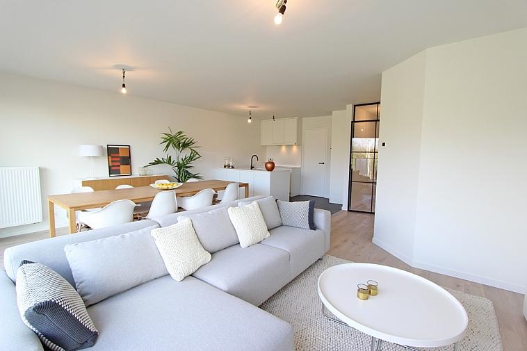 Appartement neuf dans une architecture moderne, près de la plage à Heist