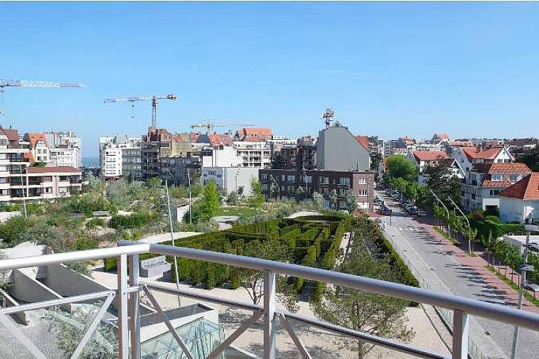 Prachtig dakappartement met 2 slaapkamers en open zicht op het Yzerpark te Knokke