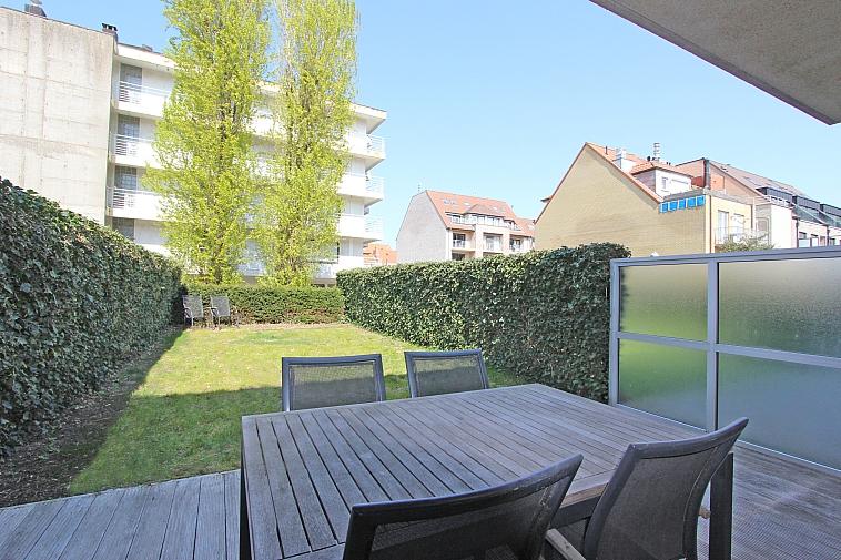 Zeer recent appartement met tuin in het centrum van Knokke