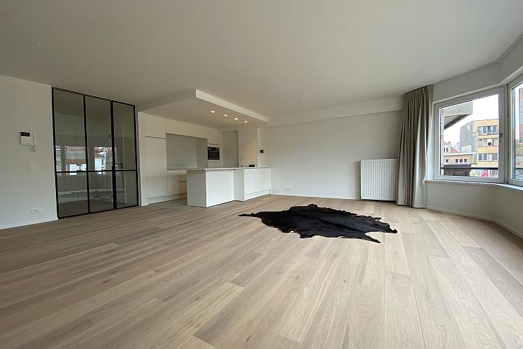 Luxueus gerenoveerd appartement met mooi, open zicht A. Verweeplein