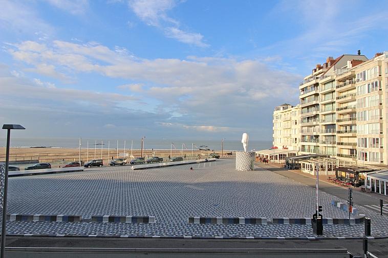 Splendide appartement avec vue mer frontale époustouflante à la Place Rubens