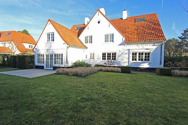 Splendide villa rénovée au coeur de Knokke-le-Zoute