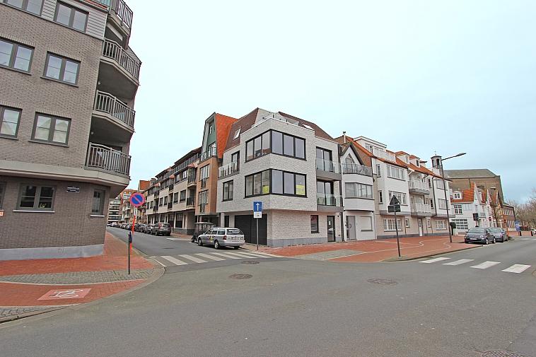 Lumineux appartement neuf, situé au centre de Knokke