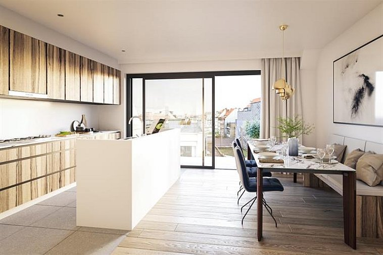 Deze nieuwbouwresidentie geniet een strakke, moderne architectuur. De appartementen zijn gelegen in de Sylvain Dupuisstraat in het centrum van Knokke, op wandelafstand het commerciële centrum, het strand en nabij het Rubensplein.   Dit appartement bestaat uit: inkomhall, open lichtrijke leefruimte (keuken, eetplaats en salon) uitgevend op een terras, berging, toilet, 1 badkamer, 1 douchekamer en 2 volwaardige slaapkamers uitgevend op een terras achteraan.  Fietsenberging en kelderberging voorzien in de residentie. Garages te koop vlakbij.  De appartementen hebben een hoogwaardige afwerking en worden gebouwd met traditionele kwaliteitsmaterialen. Plannen en gedetailleerd lastenboek op kantoor.  Meer dan 250 panden te koop op www.immax.be !