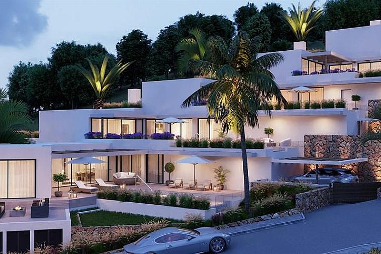 7 luxueuze villa's (open bebouwing) met elk hun privé zwembad en prachtig uitzicht op Es Vedra. Op wandelafstand van Cala Carbó kan u dit prestigieuze project terugvinden. Strakke architectuur, het natuurlijke licht door de gigantische raampartijen in combinatie met functionaliteit zorgen voor een tijdloos en iconisch verblijf in uw droomvilla. Geniet van het milde Ibiza klimaat! Wil u meer weten over dit fenomenale project met privé terrassen, privé zwembad en prachtig uitzicht, aarzel niet om ons te contacteren.