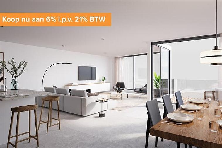Residentie Van Maerlant, een kleinschalige residentie gelegen in de J. Van Maerlantstraat. De residentie wordt opgebouwd in een moderne en luxueuze architectuur en geniet van een uiterst centrale ligging. Zo sta je op wandelafstand aan de zeedijk van Blankenbergen en het stationsplein.  Alle appartementen zijn standaard uitgerust met vloerverwarming en grote ramen waardoor ze enorm lumineus zijn. Elk appartement biedt een volledig geïnstalleerde keuken en een badkamer met inloopdouche.  De onmiddellijke nabijheid van winkels en horeca in combinatie met energiezuinig wonen maken van dit project de ideale belegging aan de Belgische kust!  Het appartement geniet volgende indeling: inkom met gastentoilet - openkeuken met berging - eetruimte - leefruimte - badkamer - 3 slaapkamers - private tuin.  In de prijs zit ook een ruime, private berging en gemeenschappelijke fietsenberging voorzien. Bovendien is er de mogelijkheid om één of meerdere garageboxen aan te kopen in dezelfde residentie. Mogelijkheid tot aankoop aan verlaagd btw-tarief van 6%   Voor verdere informatie of plannen en gedetailleerd lastenboek contacteer Vincent op 050 62 44 14 of mail naar brugge@immax.be.